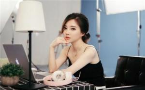 10大网红翻唱女歌手 冯提莫拥有众多经典翻唱作品