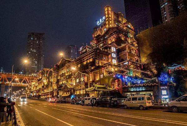 36城居民储蓄排行:北上广渝居前四,北京达3.73万亿