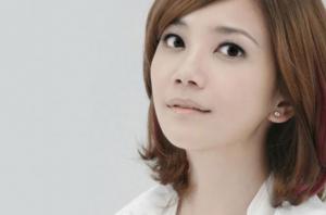梁静茹十大最好听歌曲排行榜:《勇气》上榜,第六爱久见人心