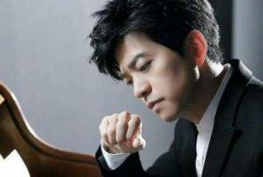 李健十大经典歌曲排行榜:《贝加尔湖畔》上榜,第三直击人心