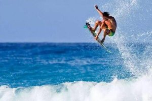 盘点全球十大最美冲浪胜地 拜伦湾上榜,第三在中国香港