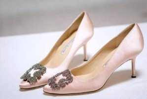 奢侈品女鞋排行榜前十名,JimmyChoo僅排第三,第一備受好萊塢寵愛