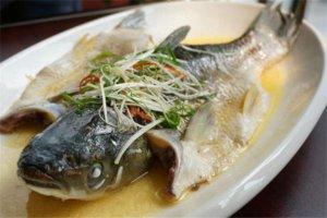 广东十大名鱼排行榜:草鱼肠上榜,第二是生鱼片