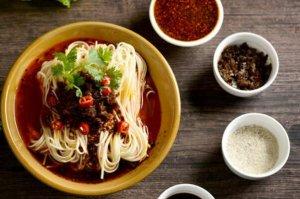 重慶十大小吃排行榜,紅油抄手上榜,第一是重慶四大特色之一