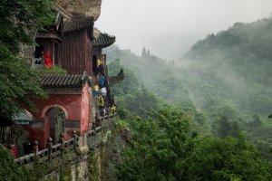 湖北省十大名山排行榜:武当山第一,神农架在榜